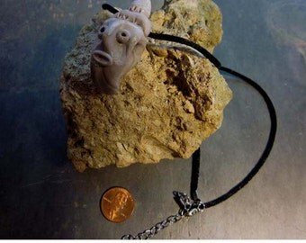 ALIENWEAR Sci-fi lover necklace in light tan big mouth