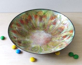 Midcentury enamel bowl signed by artist Fran Green.