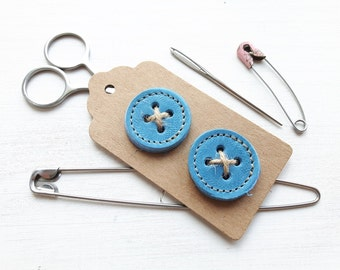 Big leather handmade borrower BUTTONs on gift tag. Perfect for all knitwear. 30mm X 2 in sky blue
