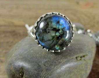 Labradorite Ring, Sterling Silver Labradorite Round Cabochon Ring, Gemstone Ring, Statement Rings