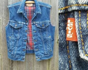 Vintage Levi's Vest //  Vtg 80s Made in the USA Levi Strauss Distressed Flannel Lined Denim Vest