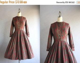STOREWIDE SALE 1950s Dress / Vintage 50s Soft Cotton Pleated Day Dress / Fifties Paisley Print Full Skirt Shirtwaist Dress