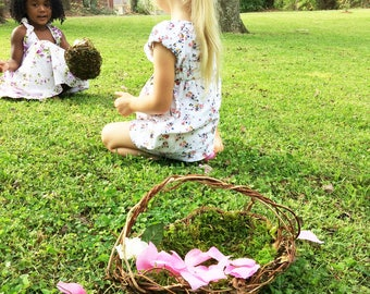 Set of 2 Barefoot Flower Girl Baskets, Wild Honeysuckle Twig Baskets, Moss Lined Baskets, 2ELL