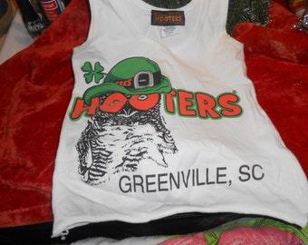 HOOTERS GIRL Greenville NC Original Uniform Top>>sz. xs
