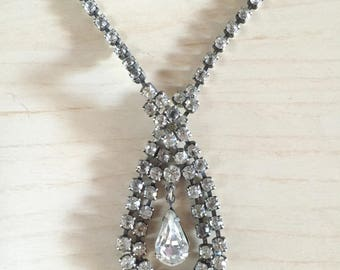 Teardrop Rhinstone necklace