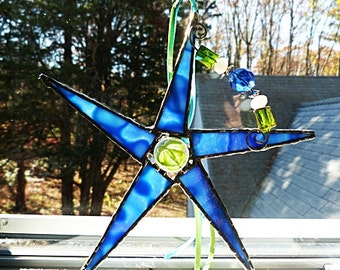 Stained Glass Star, Periwinkle Blue, Art Glass, Crystal Glass Beads, with Decorative Wire