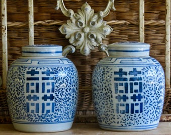 Lovely Vintage Chinoiserie......Pair Of Blue And White Ginger Jars