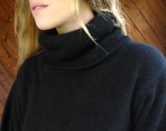 Black Silk Turtleneck Pullover Sweater - Vintage 80s - S/M