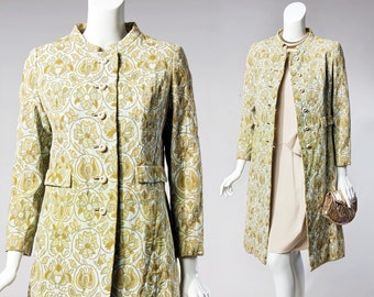 60s Bardley for La Mode Wilmington, NC | floral brocade coat | size xs-small