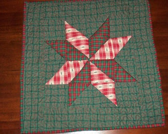 Quilted Table Mat, Table Runner, Fabric Centerpiece, Machine Quilted, 17x17 Inches, Evening Star, Red Green Holiday, Dining Table Decor