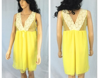 Vintage Yellow Lace Nylon Night Gown. 1970s. Nylon Lingerie. Small. Under 30 Sleepwear. V Neck. Sheer. Pajamas. Nightgown. Sleeveless