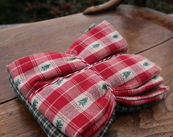 Rustic Charm Plaid Placemat Christmas Tree Plaid Holiday Place Setting Red Green Woodland Placemat Set of 4 Reversible Placemat set