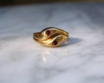 ANTIQUE VICTORIAN GARNET 9k gold snake antique vintage ring size 11.25 sirca 1880s