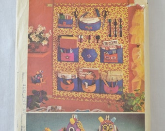 """Vintage 1972 Sewing Organizer and """"Sewphie"""" Sewing Bird Sewing Pattern Simplicity 5233"""