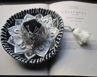 Vintage Small Sombrero Hat, Sombreros De Mariachis Marca Luna, Excelencia En Sombreros, Luna,  Mexico, Black, Silver,  White