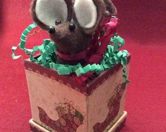 Tiny Felt Mouse in Tiny Christmas box