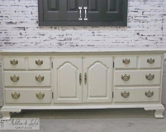 Triple Dresser, Thomasville,  White Cottage Style - Chic DR102 Shabby Farmhouse Chic, Chest, Nursery Furniture