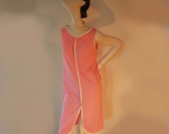 Twiggy's nightgown, vintage 60s nighty, pink tent slip, Psychedelic Nylon slip from the 60s, Made in Canada, small nighty, pink lingerie