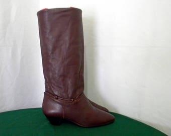 Sz 6.5m Vintage Tall Burgundy Leather 1980s Women wedge heel walking boots.