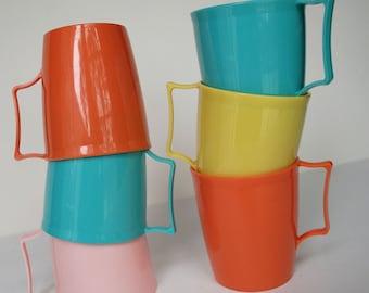 Vintage Plastic Mugs Set of 6 Coffee Tea Drinkware Mod Mid Century Kitchen Cups Breakfast Tupperware Coco Pastel Springtime Melmac