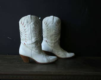 White Cowgirl Boots Country Western Dingo White Wedding Spring Starburst Pattern Womens Boots Vintage From Nowvintage on Etsy