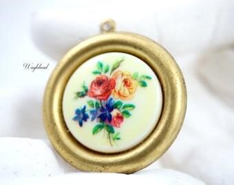 Vintage Flower Bouquet Pendant - 1