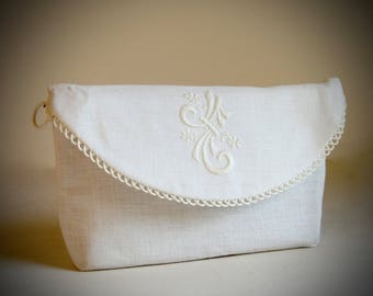 Vintage Carol White Embroidered Clutch 2 in 1 Bag never used still in bag