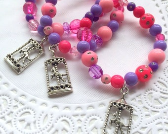 SET of TEN. Carousel, Horse party favor, beaded bracelet, purple, pink, kids jewelry, childrens jewelry, birthday favor.