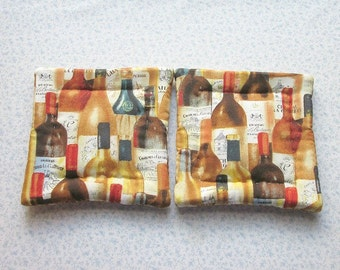 wine bottles hand quilted set of 2 potholders hot pads