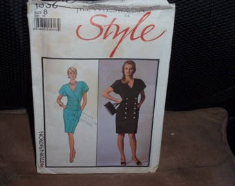 Style 1338 Misses Dress Loose Fitting  Size 8  New - Uncut