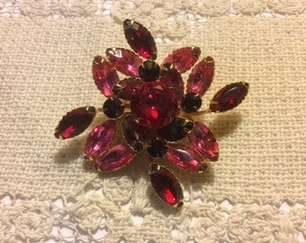 Vintage Pink, Scarlet, Red  Marquis & Round Rhinestone Gold Tone Pin Brooch, Prong Set - Gorgeous