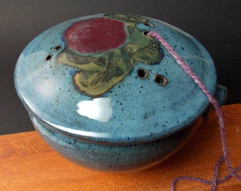Kitty-Proof Yarn Ball Bowl With Cover ~ Apple & Leaf Design ~