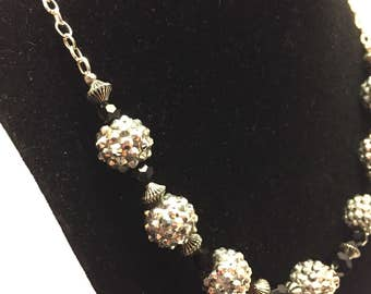 The Stunner Necklace - Black and Silver Textured Beads
