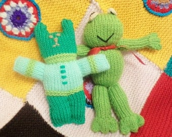 vintage teddy bear, vintage frog, kitsch toys, 70s kitsch, knitted bear, knitted frog, small knitted toys, green teddy bear,