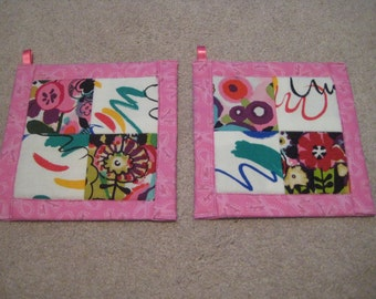 Watercolor Painted Flowers in Pink or Blue  Kitchen Potholder Set