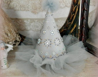 Sparkle Time. Bejeweled Party Hat in Light Grey and Silver