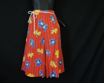 red floral culottes 70s wide leg palazzo pants medium new old stock