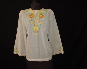 boho embroidered blouse 1970s hippie flower tunic 70s floral festival blouse osfm