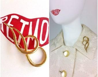 Beautiful Vintage 50s 60s Gold Loop Pin Brooch