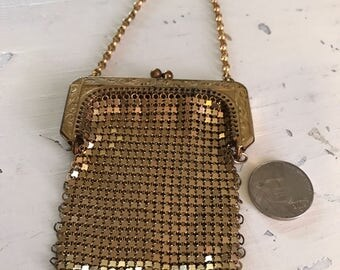 Mini doll mesh purse gold tone mesh great for a repurposed necklace Whiting and Davis 1940