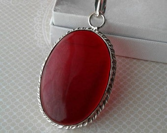 Vintage Pendant,Red