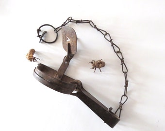 Small Vintage Trap with Chain, Victor No. 1 Giant, Rusty, Rustic, Creepy and Dangerous, Adults Only
