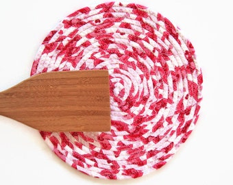 Valentine's Day Coiled Fabric Trivet - Pink White Trivet - Handmade Clothesline Trivet - Plant Coaster - Hot Pad - Holiday Candle Mat