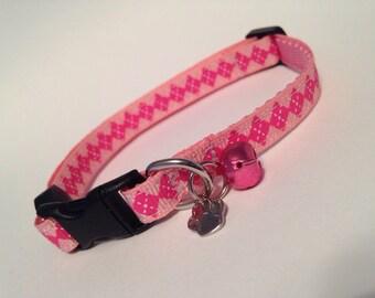 Bubblegum argyle cat collar
