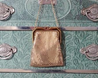 Vintage 1930's-1940's Whiting & Davis Gold Mesh Purse Handbag - Dainty Flapper Art Deco Purse