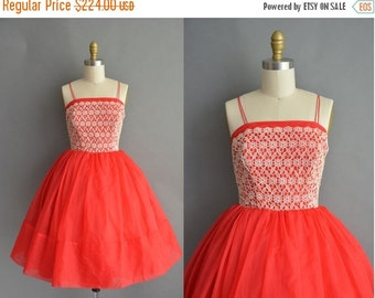 20% OFF SHOP SALE... vintage 1950s dress / 50s red sweetheart lace vintage cupcake party dress