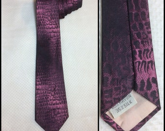 Vintage 1950's Plum wine Alligator skin patterned shadow Striped pink purple black Necktie Rayon Silk 3 inch wide