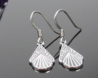 Art deco earrings, Surgical steel earrings, small dangle drop earrings, nickel free jewelry, simple silver earrings, art nouveau earrings