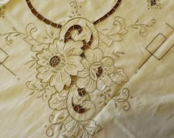 Antique Ivory Rectangle Banquet Tablecloth With Elaborate Embroidery And Cut Work