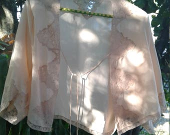 40s PEACH SILK BEDJACKET—Dolman Sleeves—Tie Front—Mint